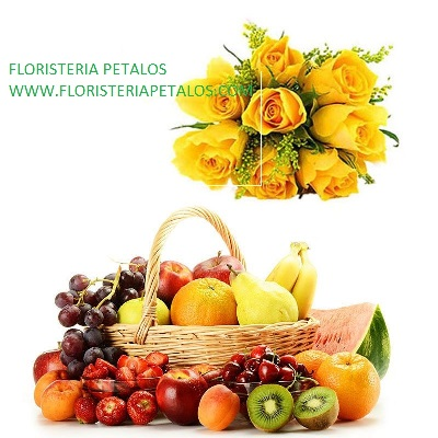 Cesta de frutas con rosas Lea